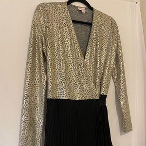 Lularoe Deanne Black & Gold Pleated Maxi Dress
